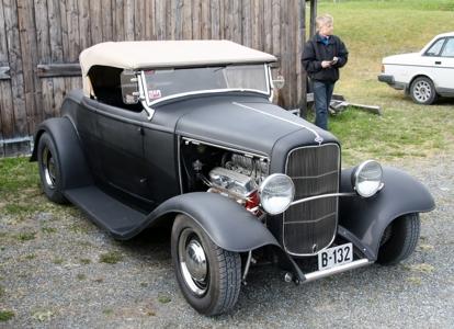 Ford Rod (2).JPG