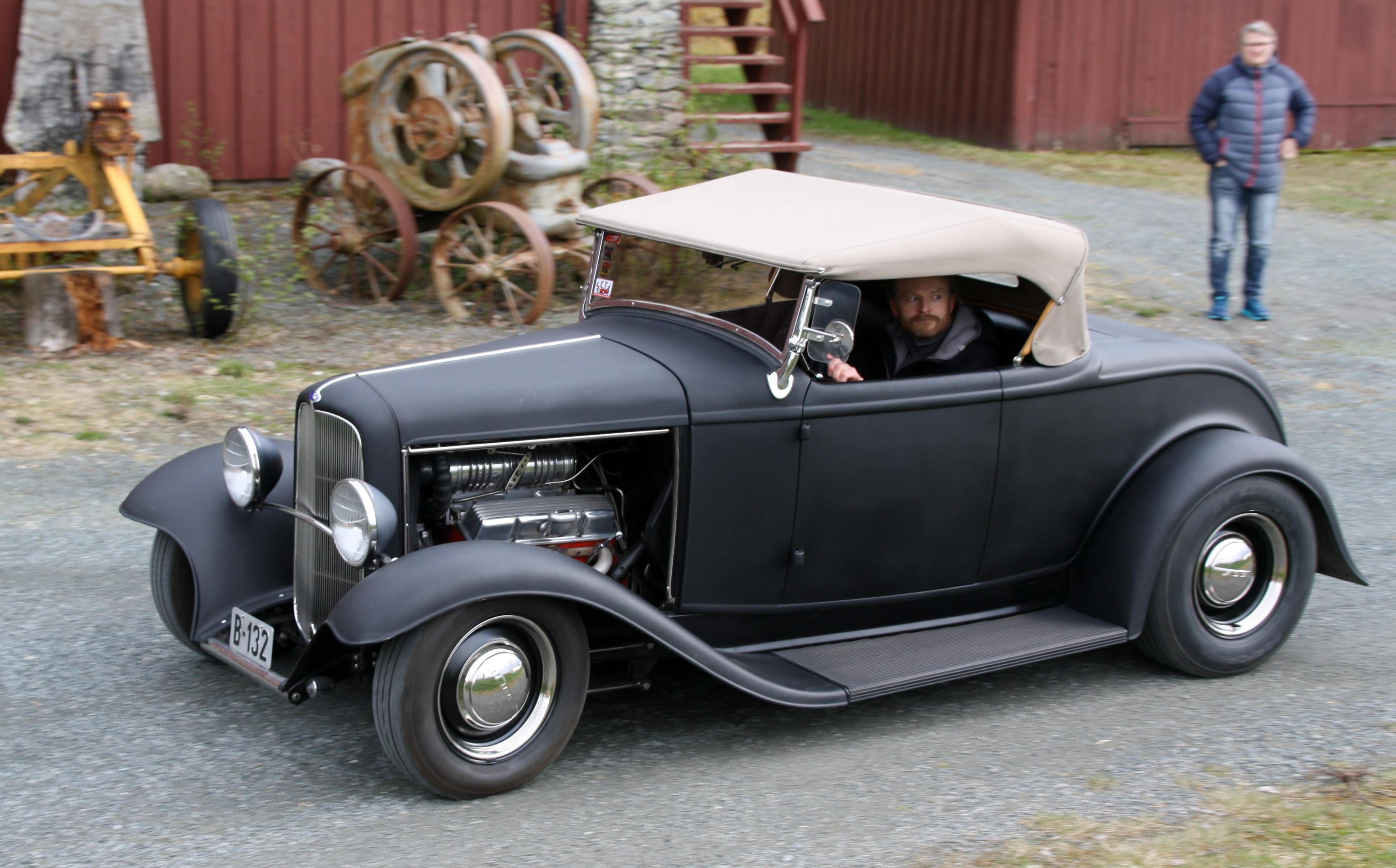 Ford Rod.JPG