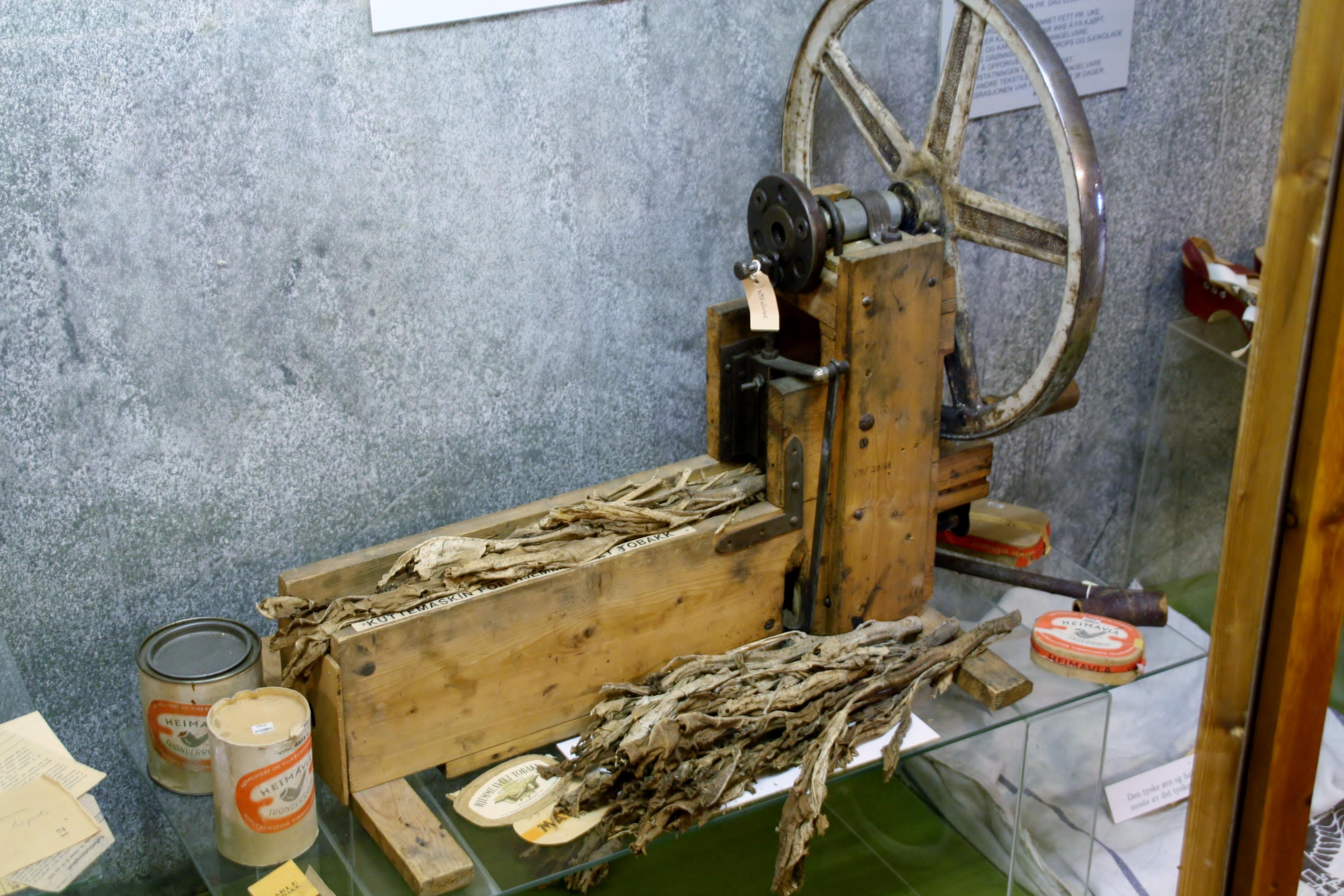 Hjemmefrontmuseet tobakksproduksjon.JPG