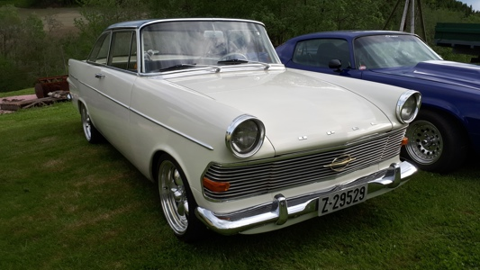 Opel Rekord coupe 62.jpg