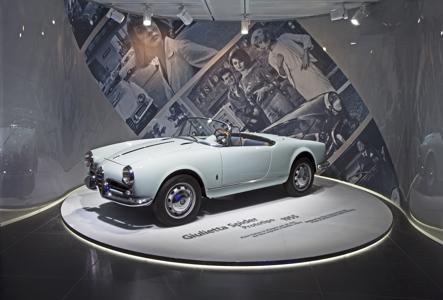 150624_Alfa_Romeo_La-macchina-del-tempo_3.jpg