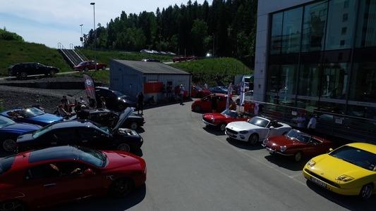 Drone_midtpåparkering.jpg