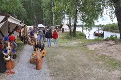 Vikingfestival på Årnes-tangen juni 2014.  Foto: Frits Wahlstrøm og Dag H. Liberg