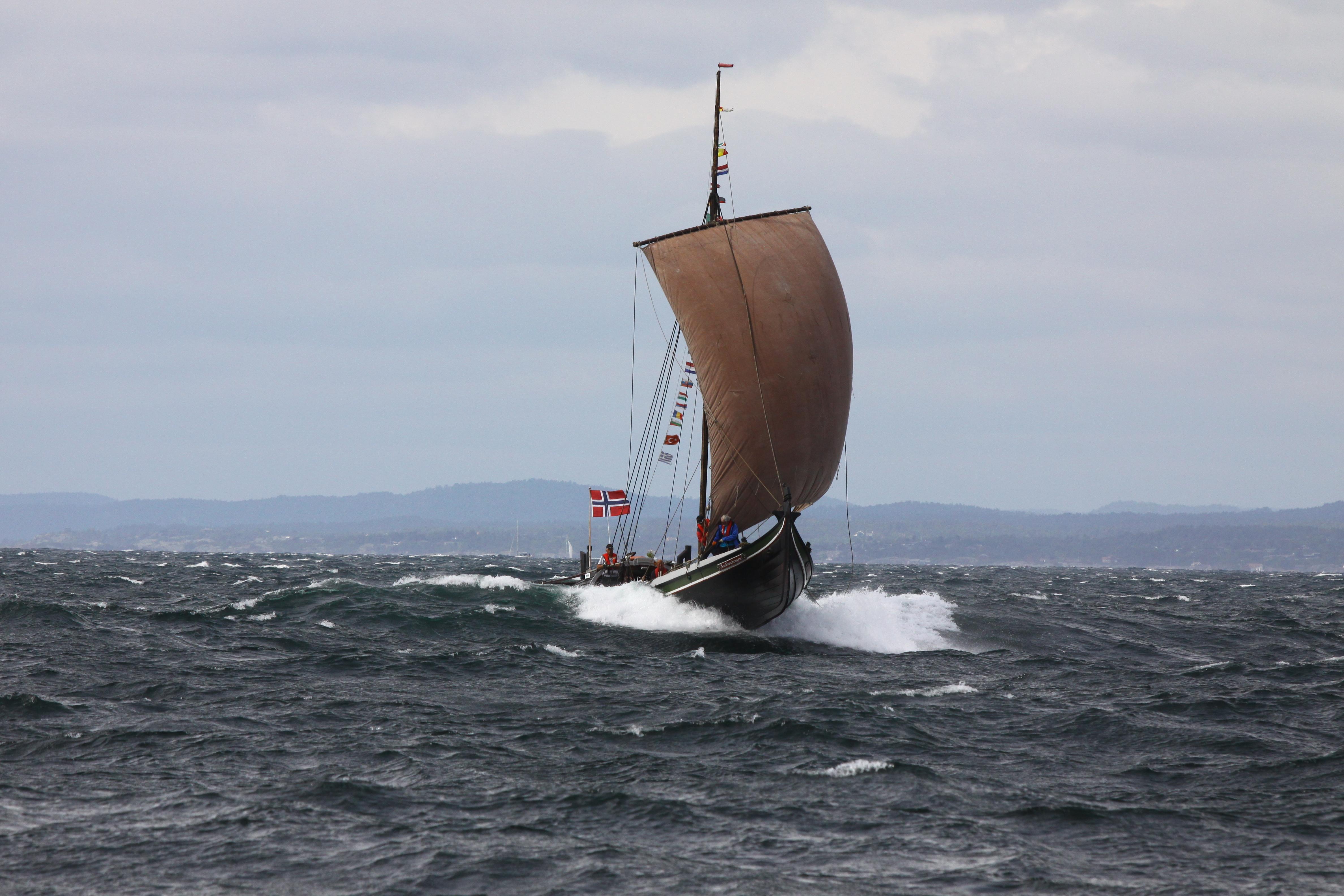 Seilas utenfor Jomfruland i 2014 tatt av Karl Pudik. På vei til landsstevnet i Oslo.