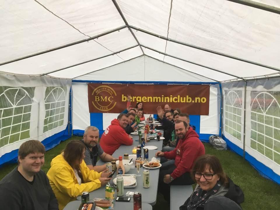 Bergen Mini Club, Vestlandstreff 2017 - ble arrangert 9/11 juni. Årets sted var Vik i Sogn, med kjøretur til Arnafjord hvor båt-tur stå på menyen. Det ble også servert kaffi, is, brus og sveler med hjemmelaget syltetøy :-D