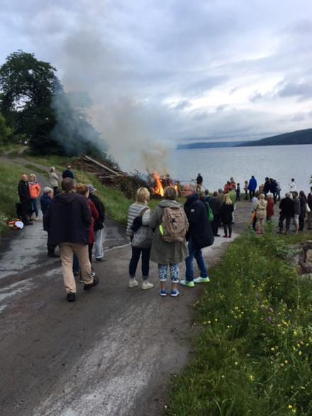 Bålet brenner.jpg