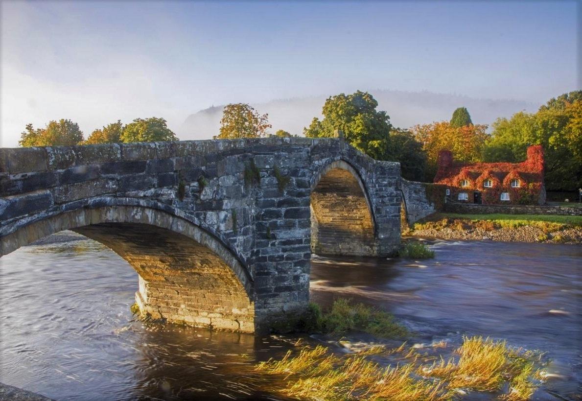 Llanwrust - the old tea room and the bridge of man