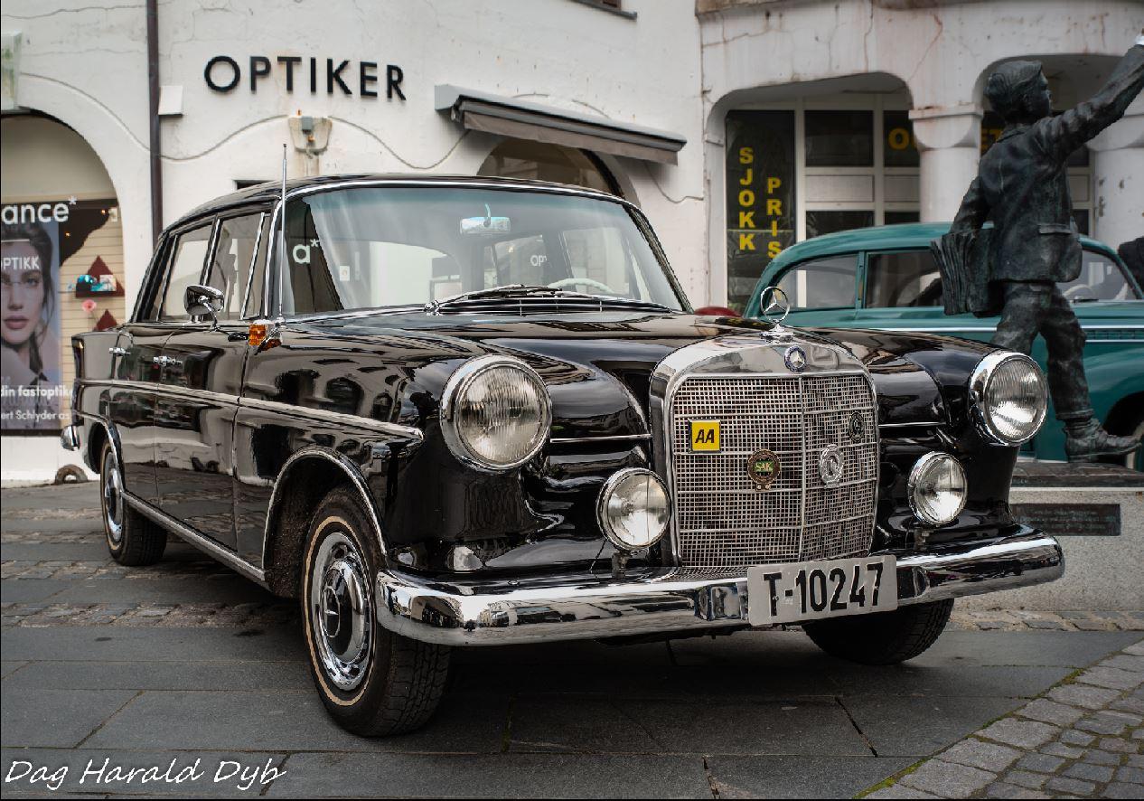 Mercedes T10247.JPG