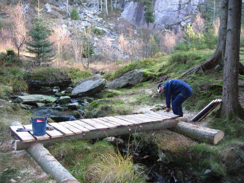 Ny bro over elv i området bak BT buen ved Søndre K