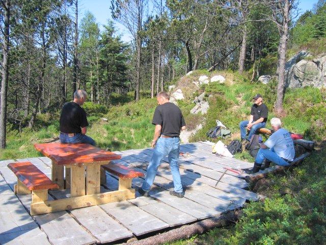 Revurtjern. Det nye bordet er på plass 06-06.jpg