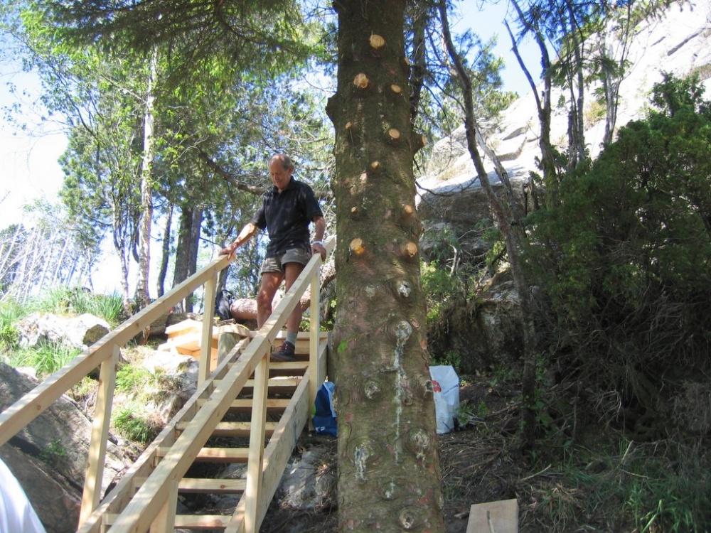 Endelig er trappen ferdig og klar til bruk 7.juni.