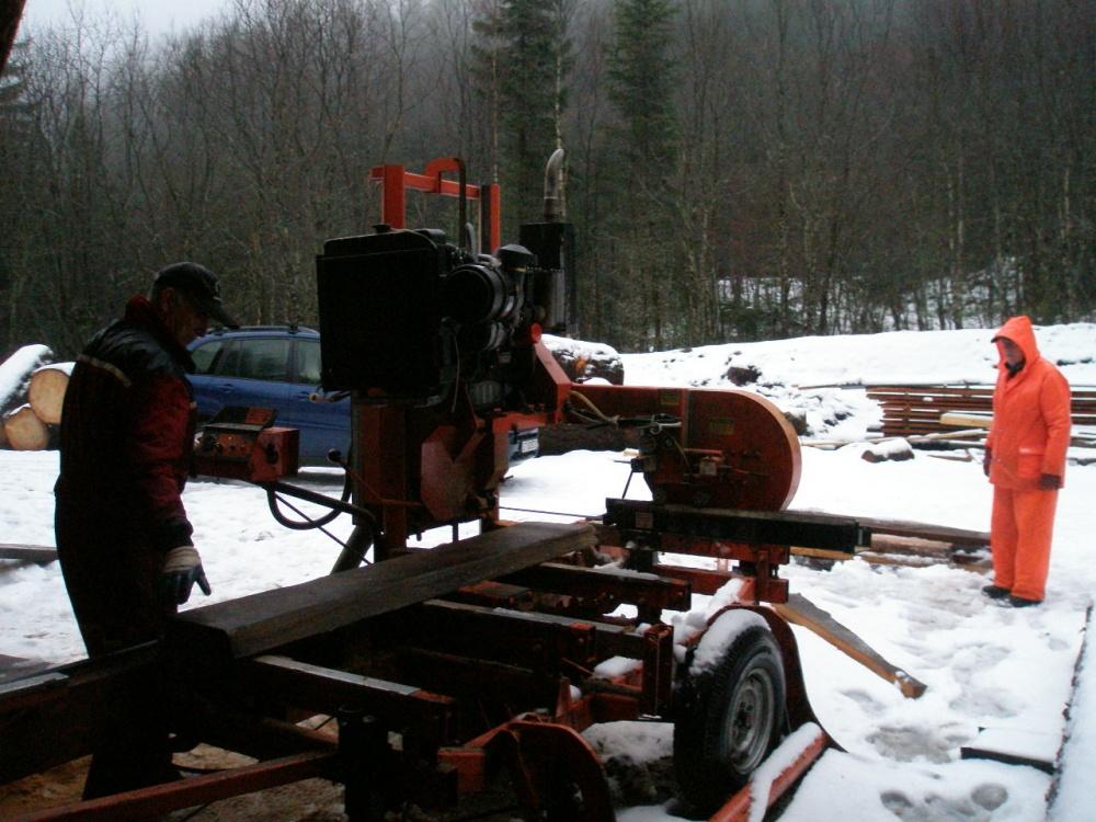Noe av tømmeret er alt skåret opp. 23.jan.jpg