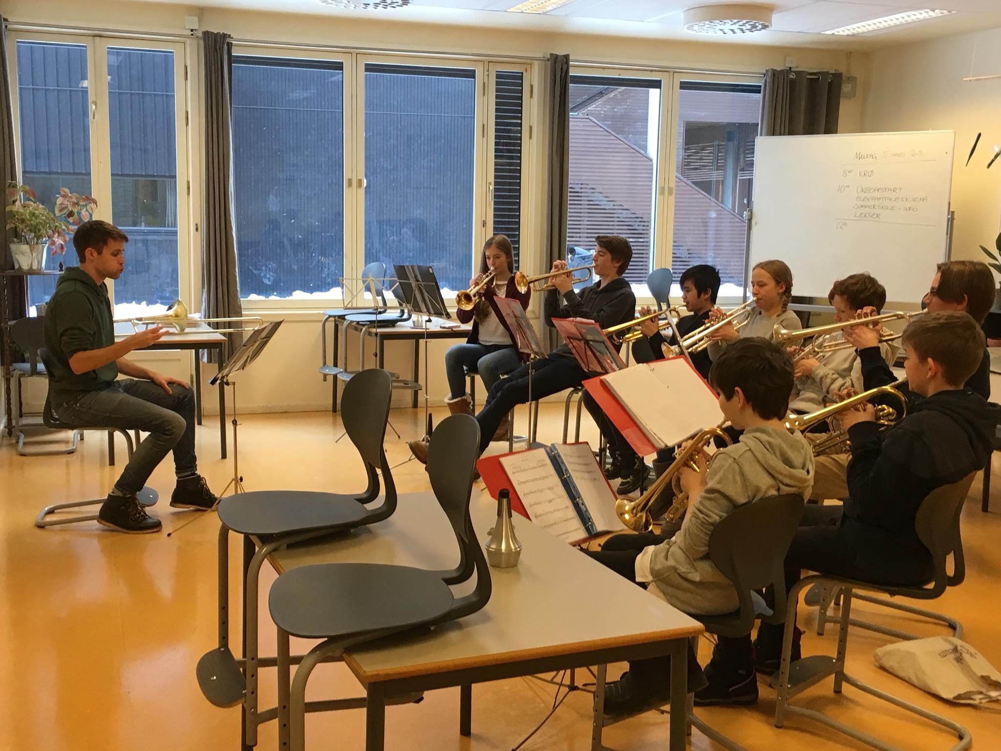 trompet og kornett øving.jpg