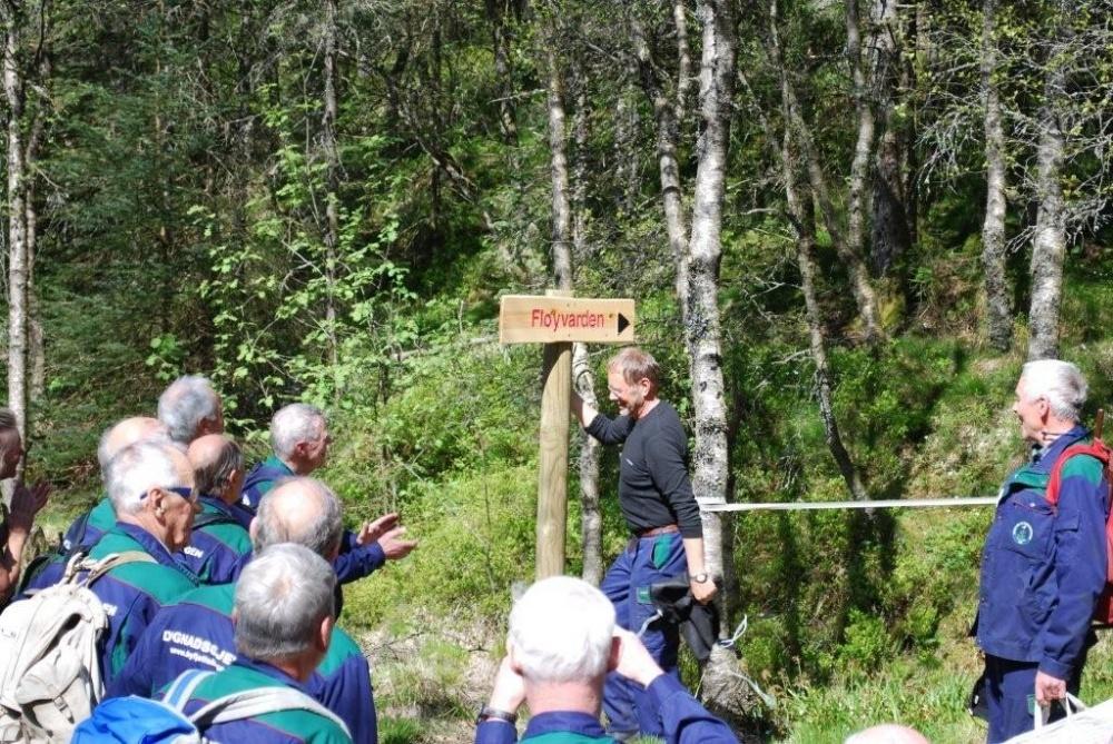 Nytt skilt til Fløyvarden. 13.mai. GPS til varden