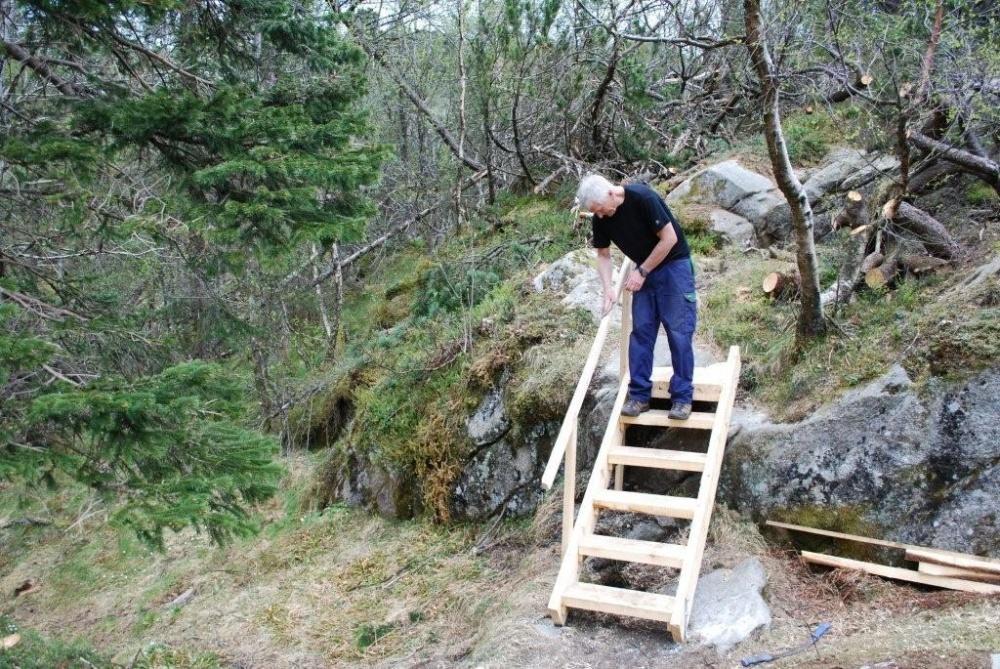 Trappen ved Fløyvarden ferdig 29.april.jpg