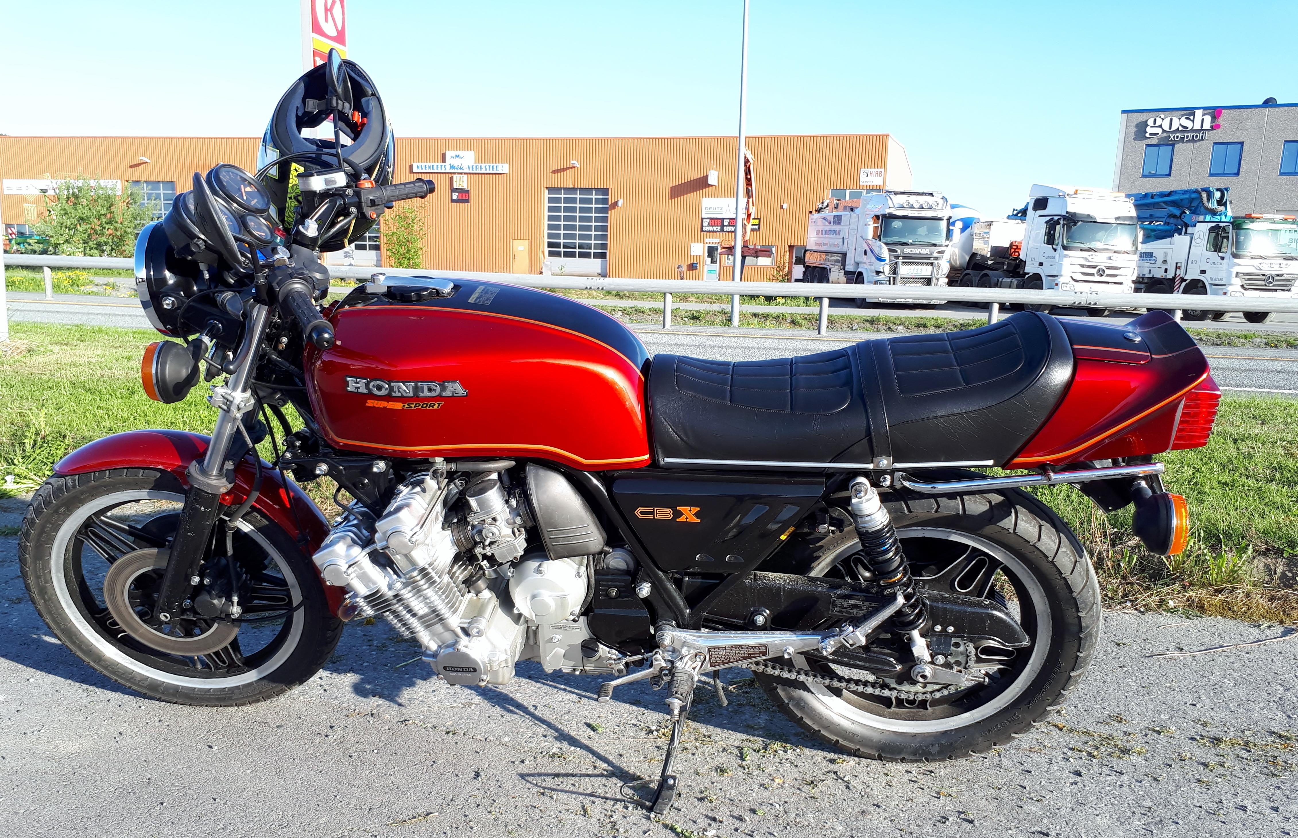 Honda CBX (2).jpg