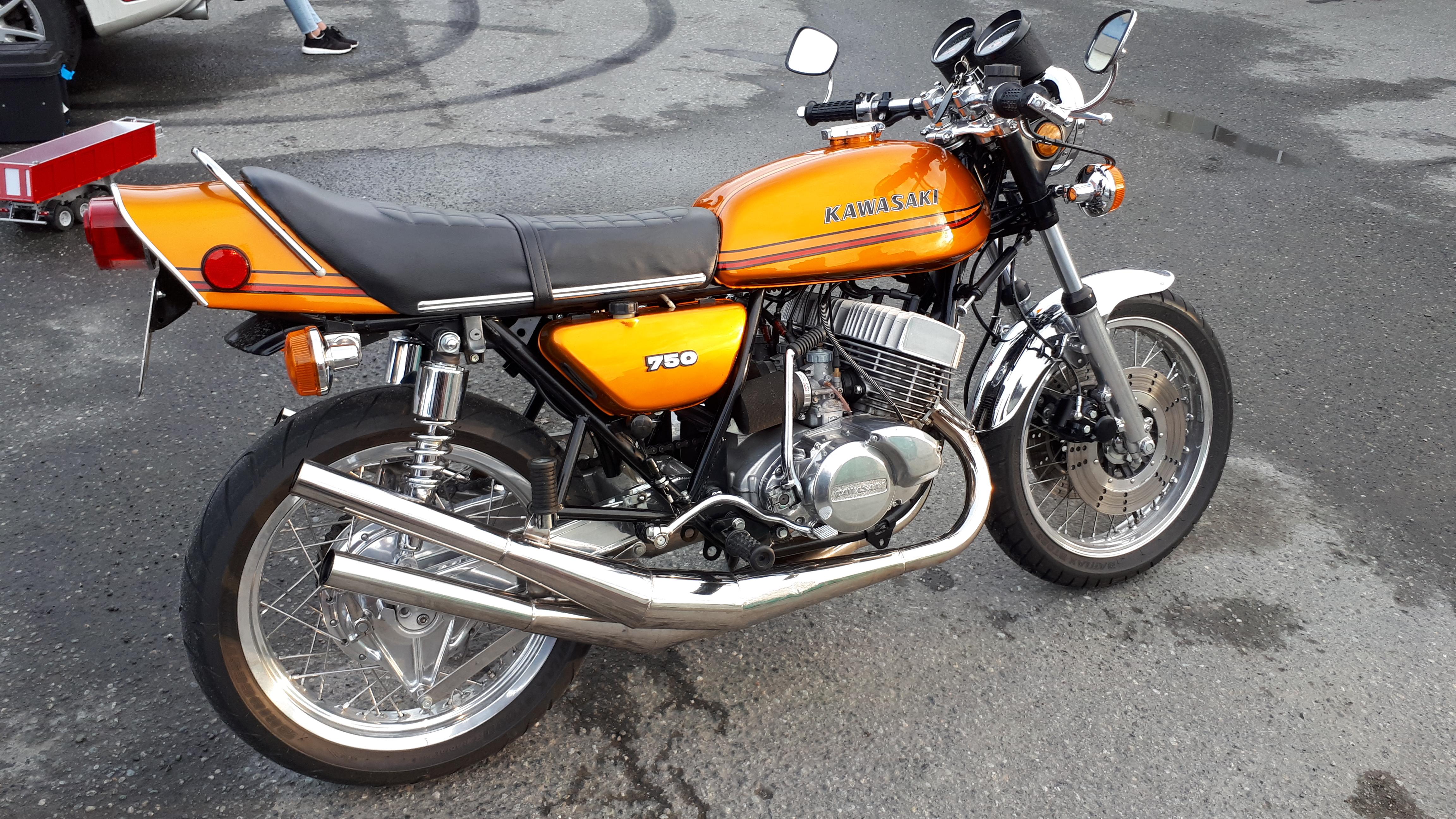 Kawasaki 750 Gold.jpg