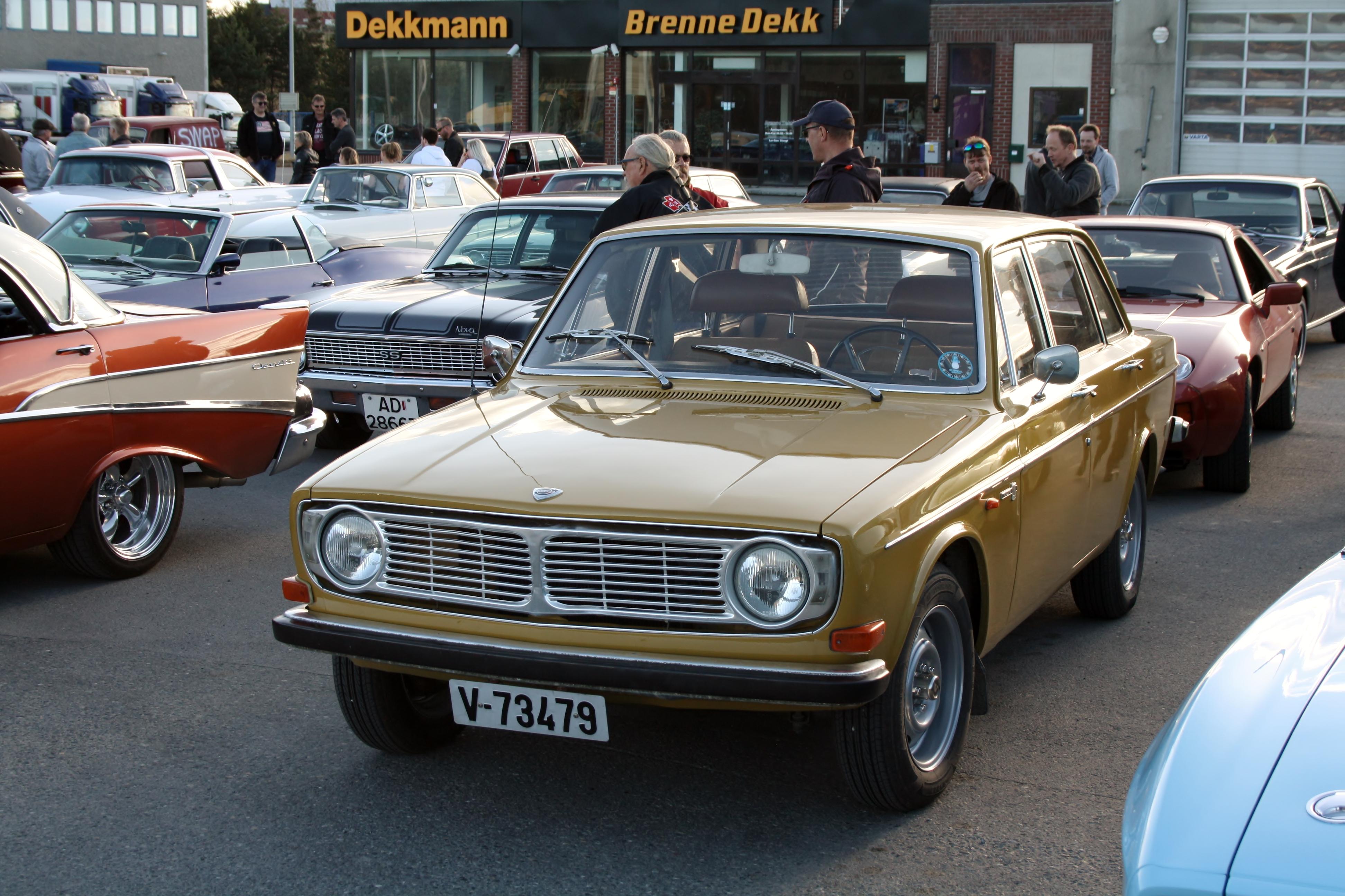 Volvo 144.JPG