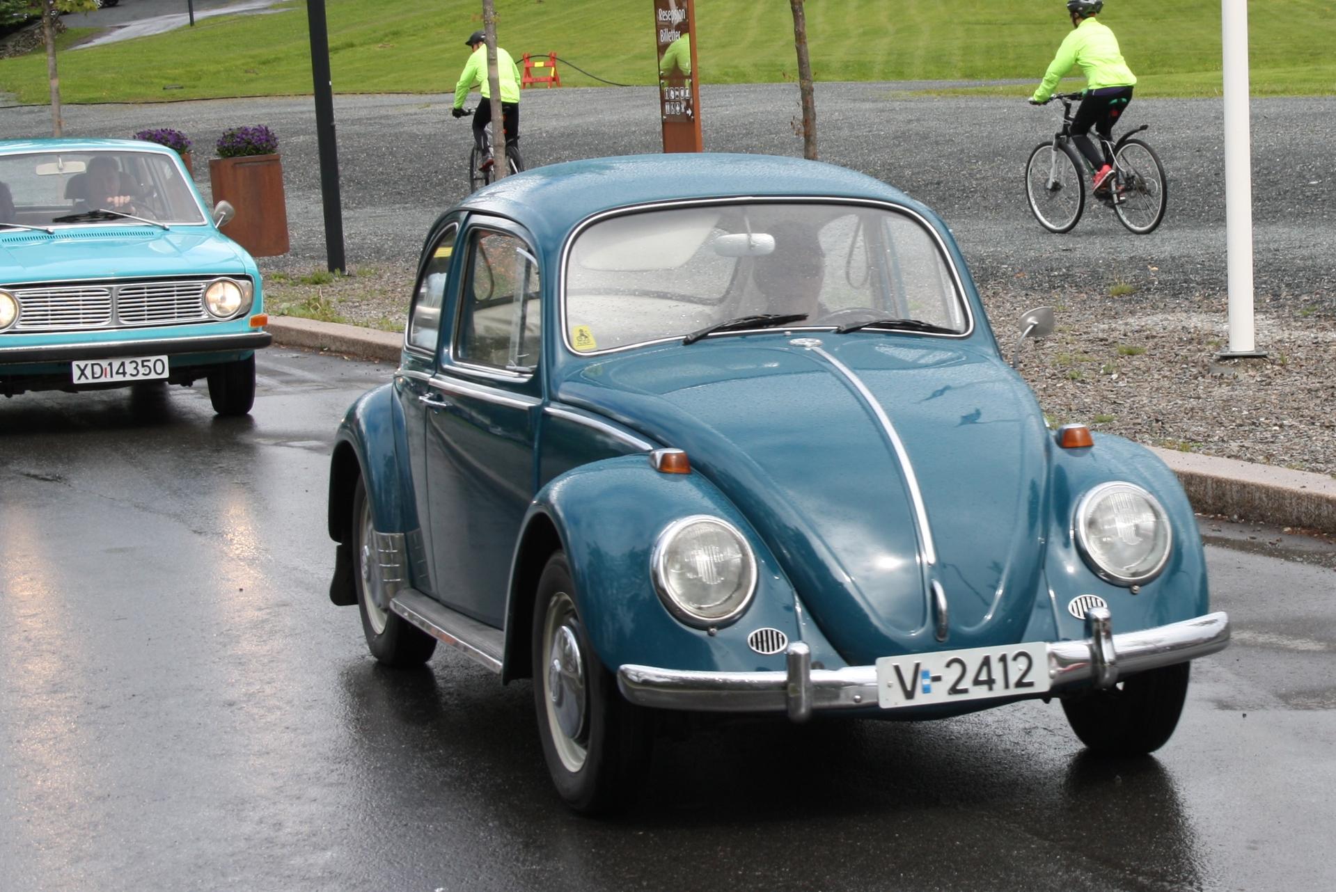 15 Volkswagen.JPG