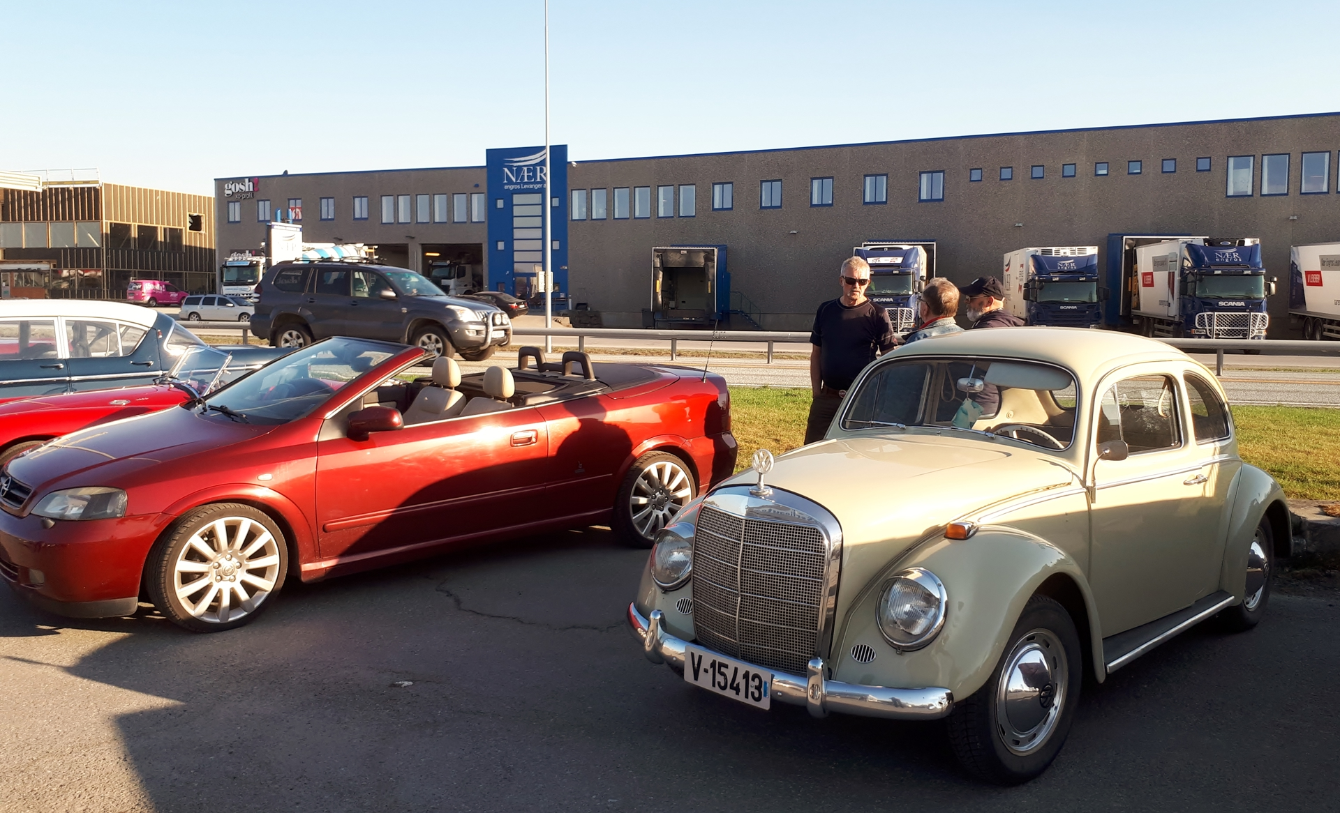 Opel Astra Cab og Volkswagen med Mercedes front