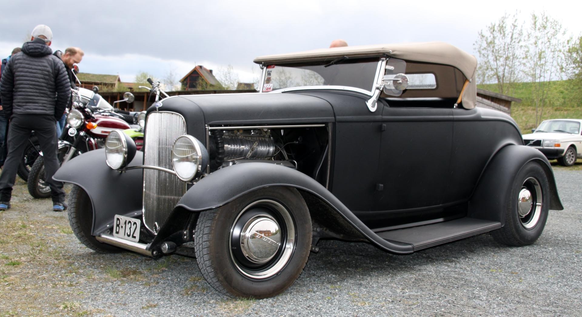 Ford Rod (5).JPG
