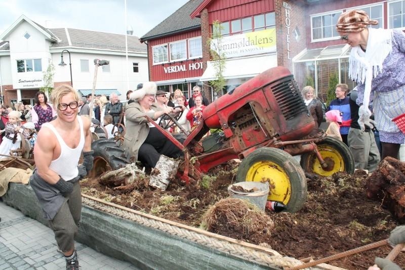 traktorn-har-havarert-800x533.jpg