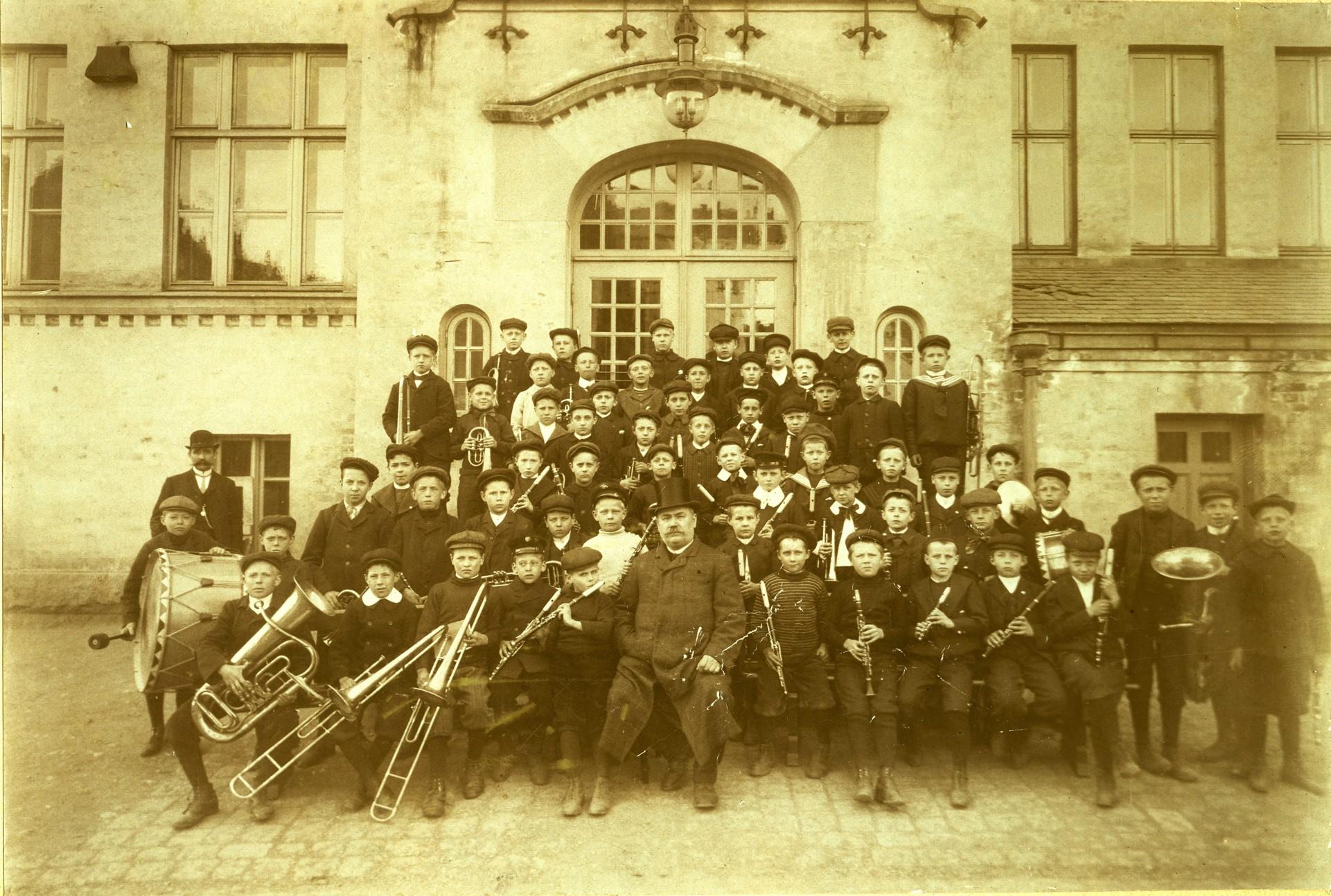 peikbilder_1914_korpset_gruppebilde.jpg