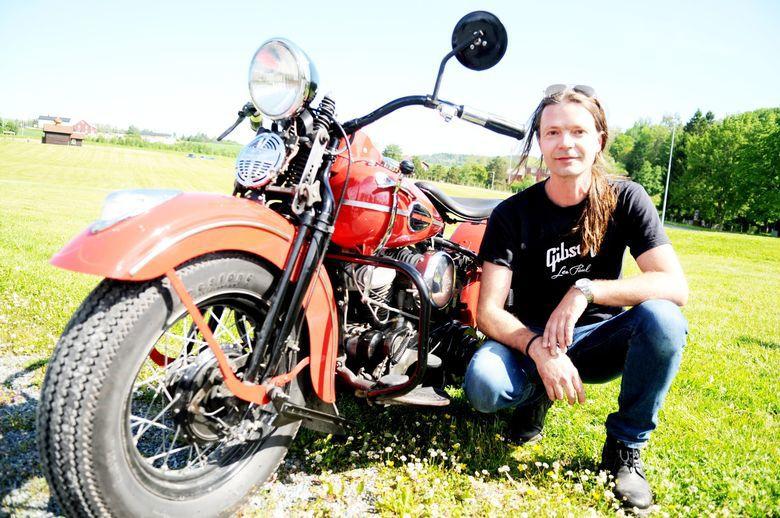 Tom Erik Kjesbu fra Leksdal kjører Harley Davidson