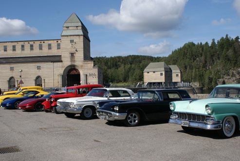 """Solbergfoss treff 25. august 2019 i nydelig sol. Bursdagsfest for ASCA. Alle som kjørte Øyeren rundt kom innom for en """"pit-stop"""""""