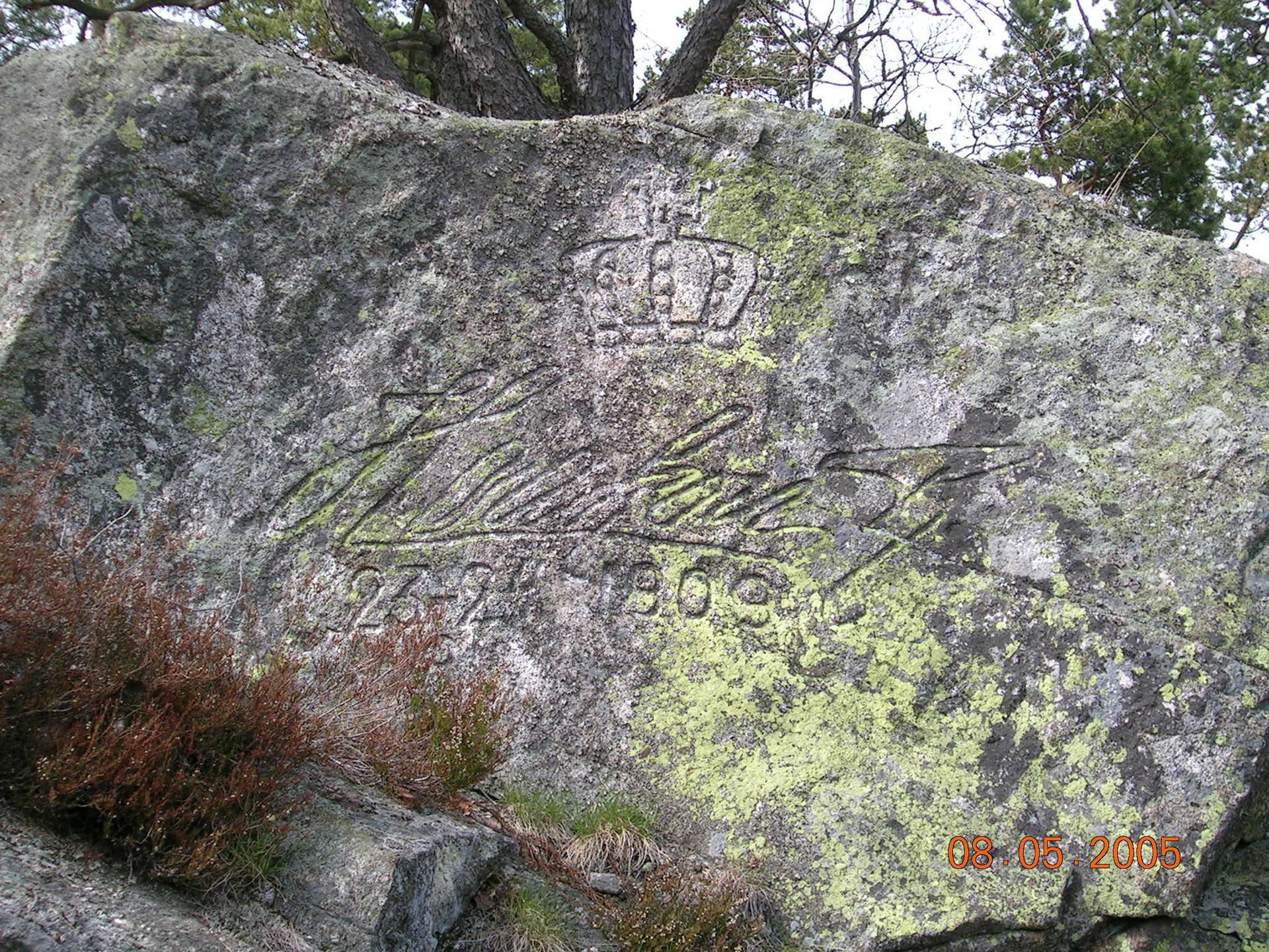 Kong Haakon VIIs autograf på Håøya.JPG