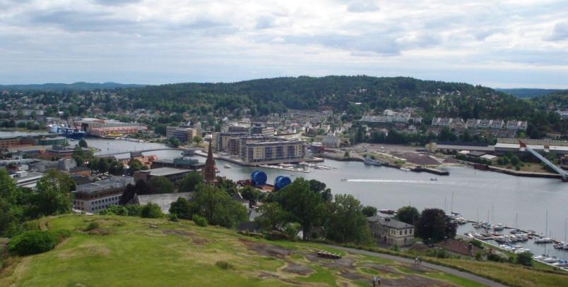 Nøtterøy sett fra Slottsfjellet.PNG