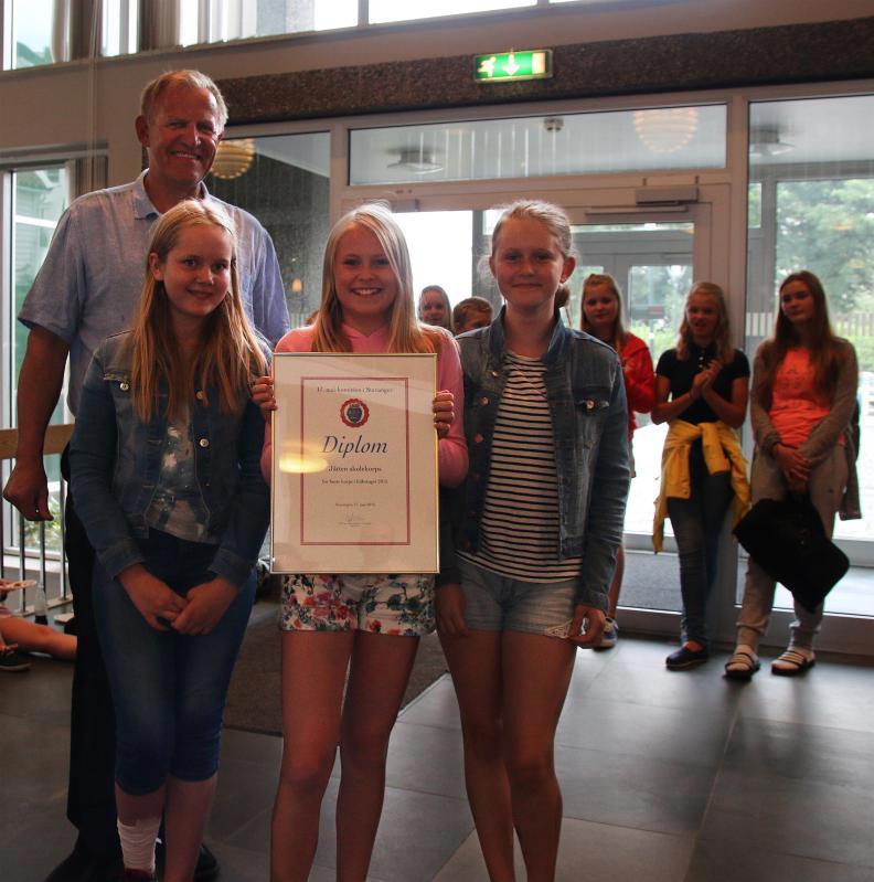 Diplom-beste-korps-i-folketoget-2015_article_large