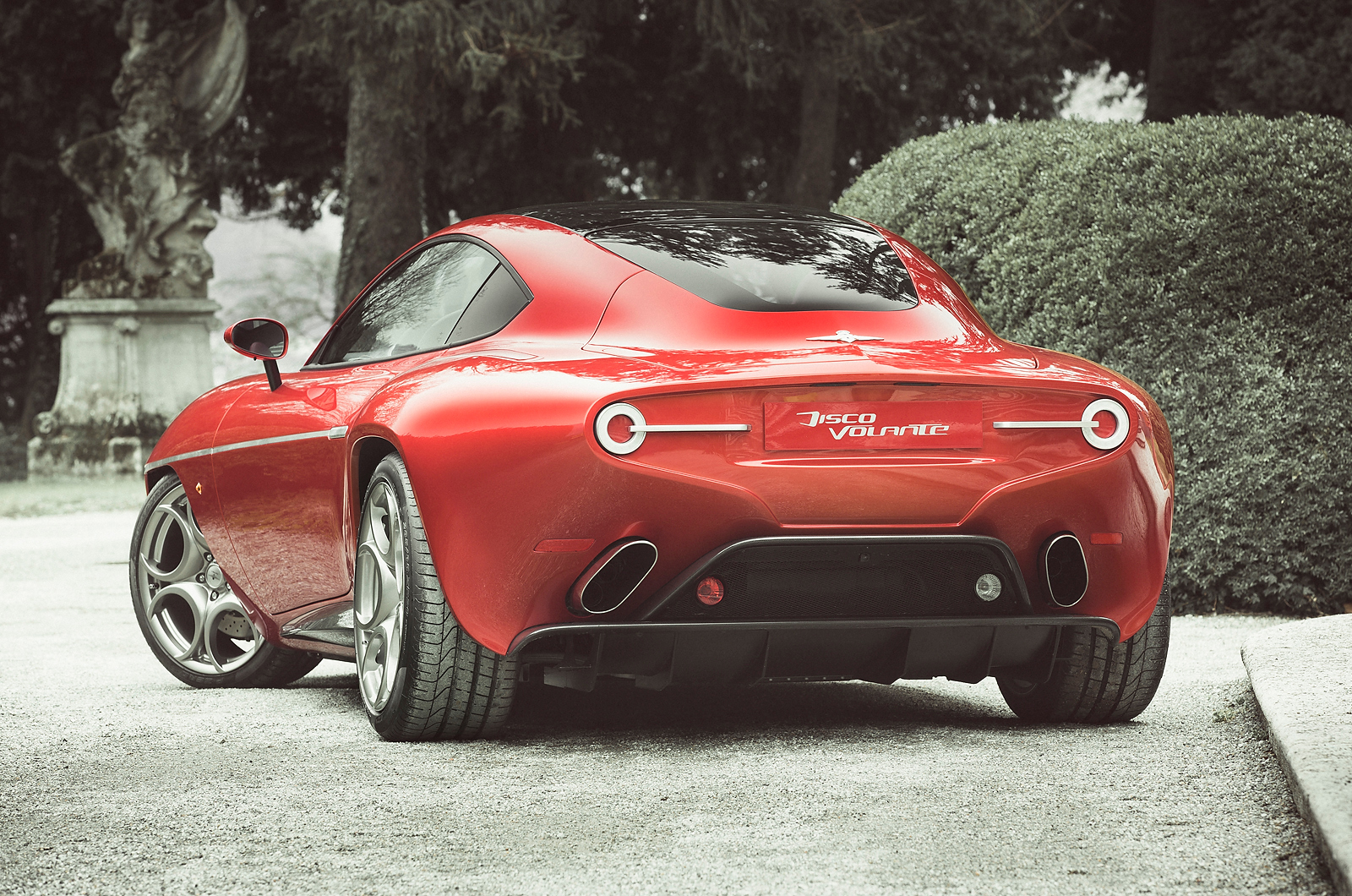 00_production-alfa-romeo-8c-based-disco-volante-sh