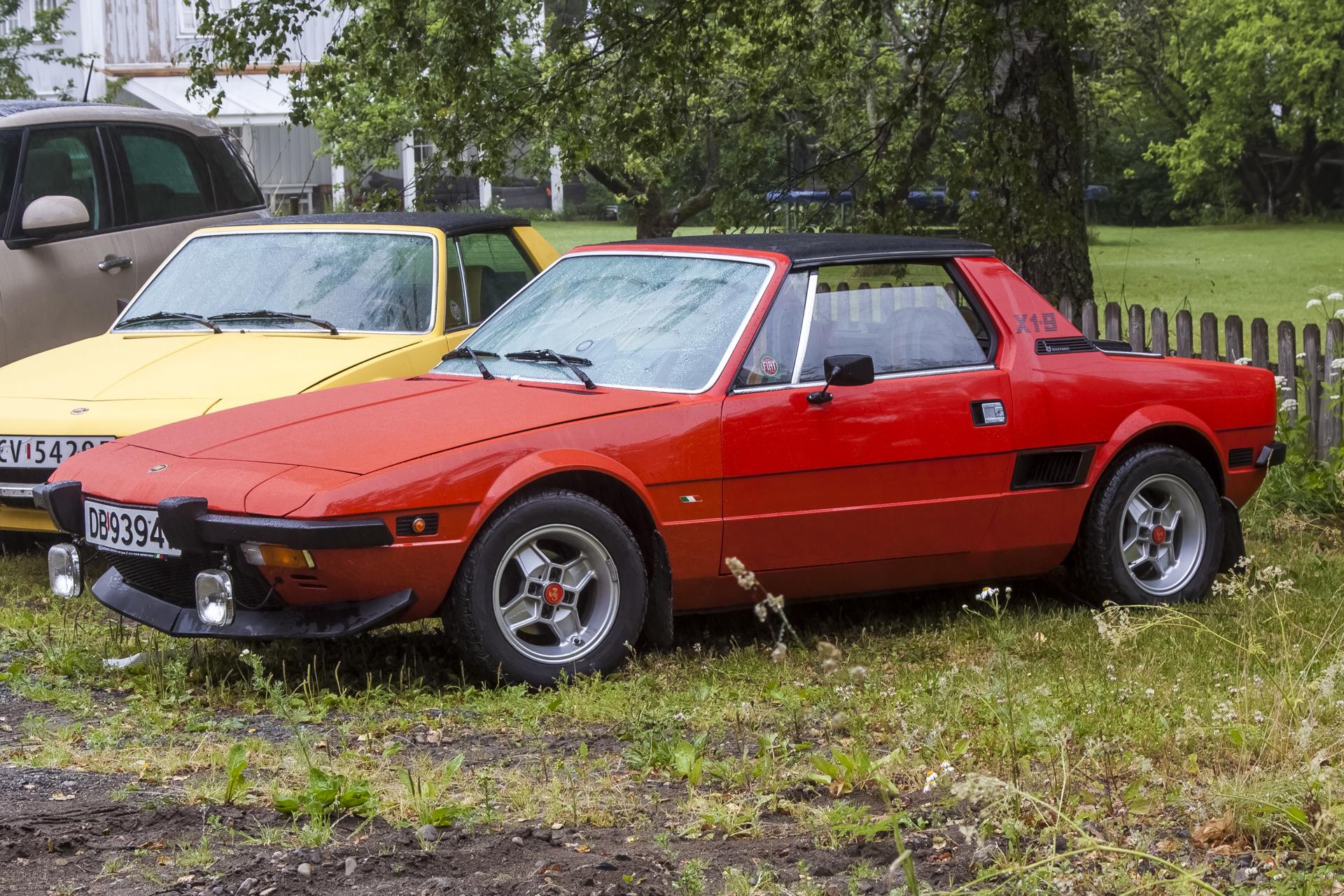 1977 FIAT X1-9.jpg