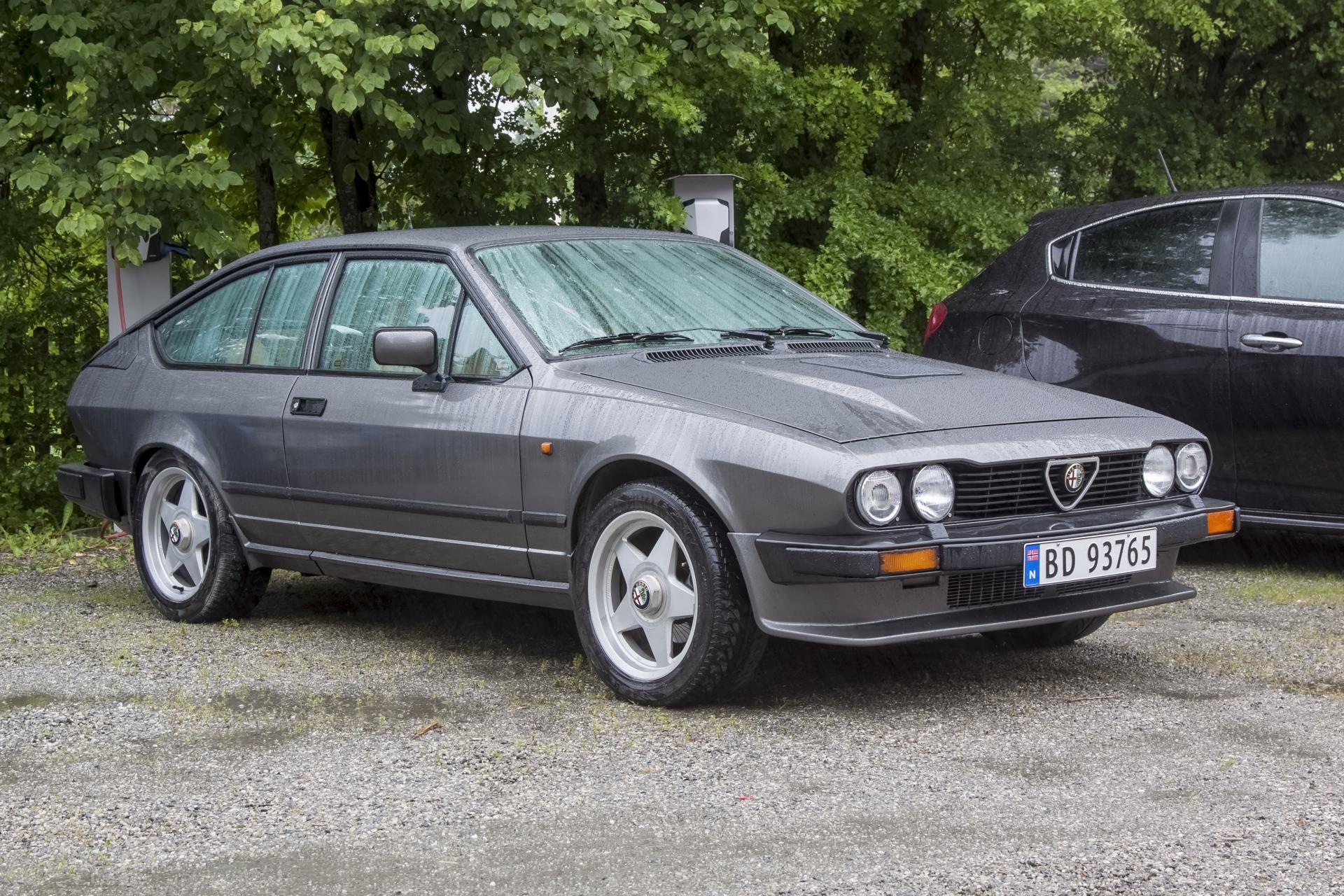 1985 ALFA ROMEO GTV 2.5L.jpg