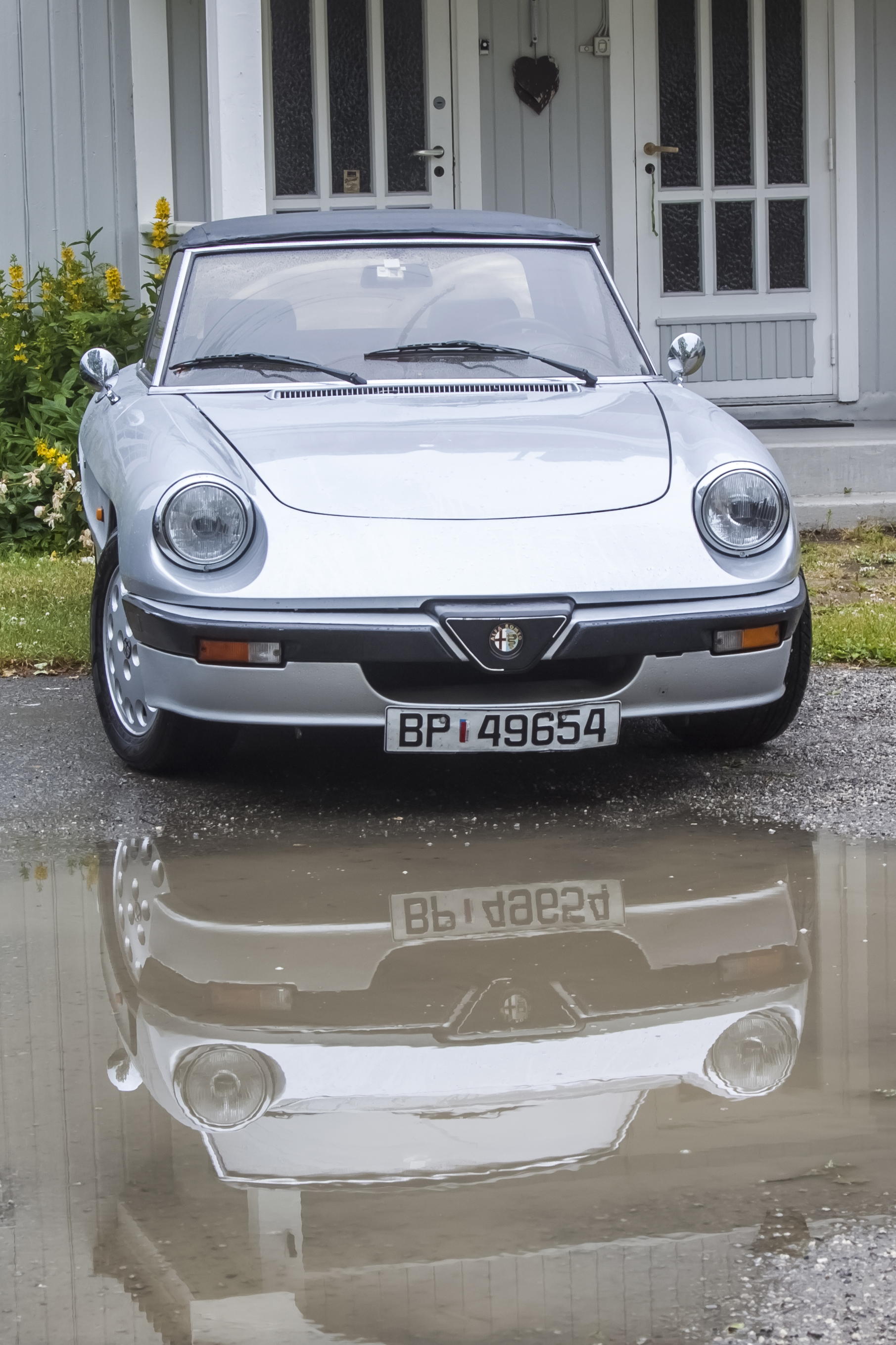 1988 ALFA ROMEO SPIDER 2.0 reflection.jpg