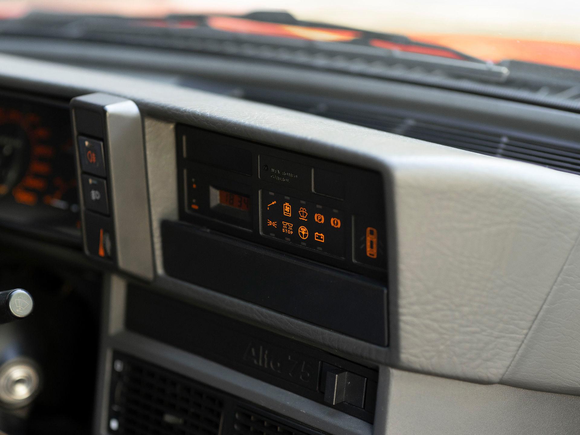 20044280-30.jpg