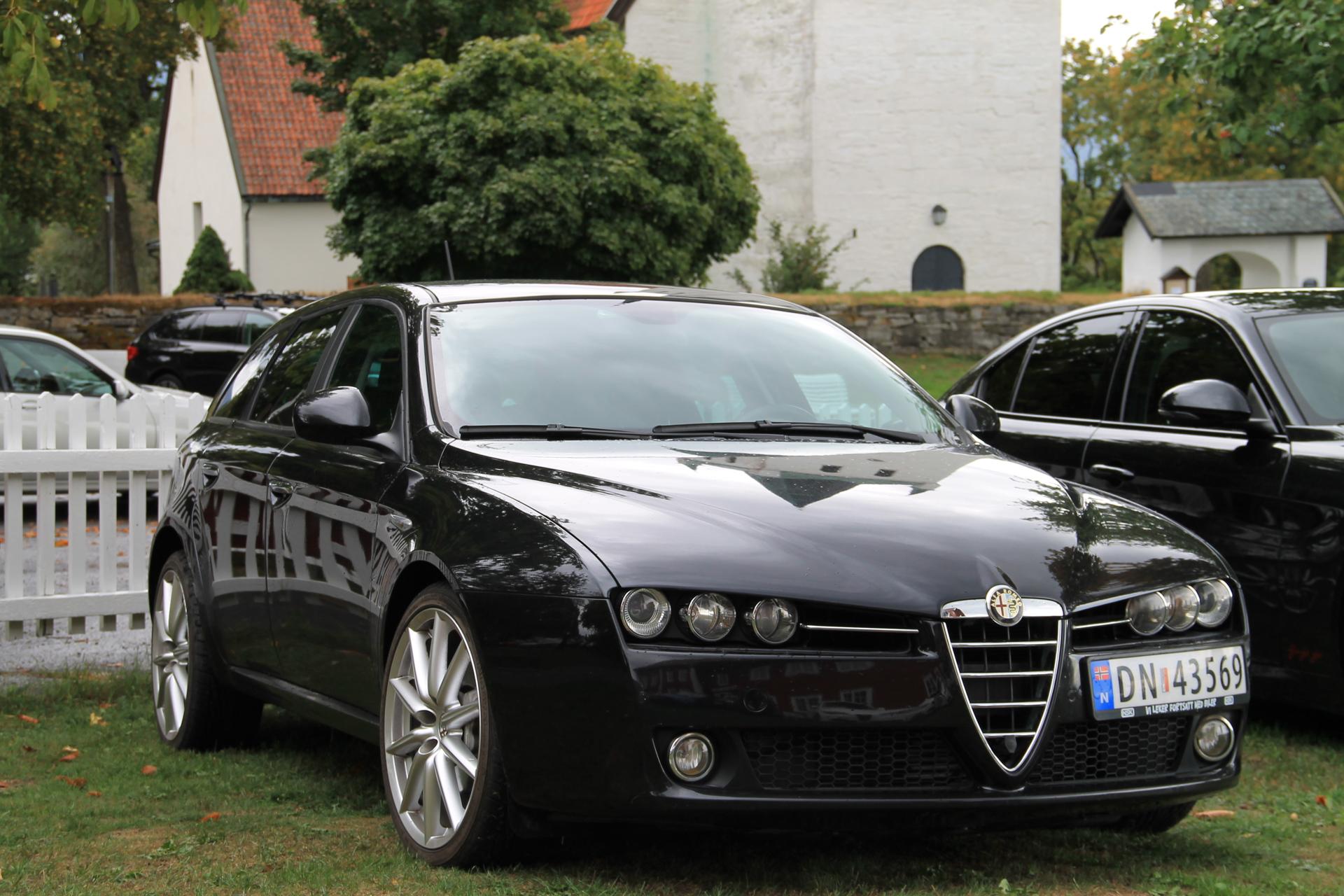 159 Giulia Veloce svarte (2).JPG