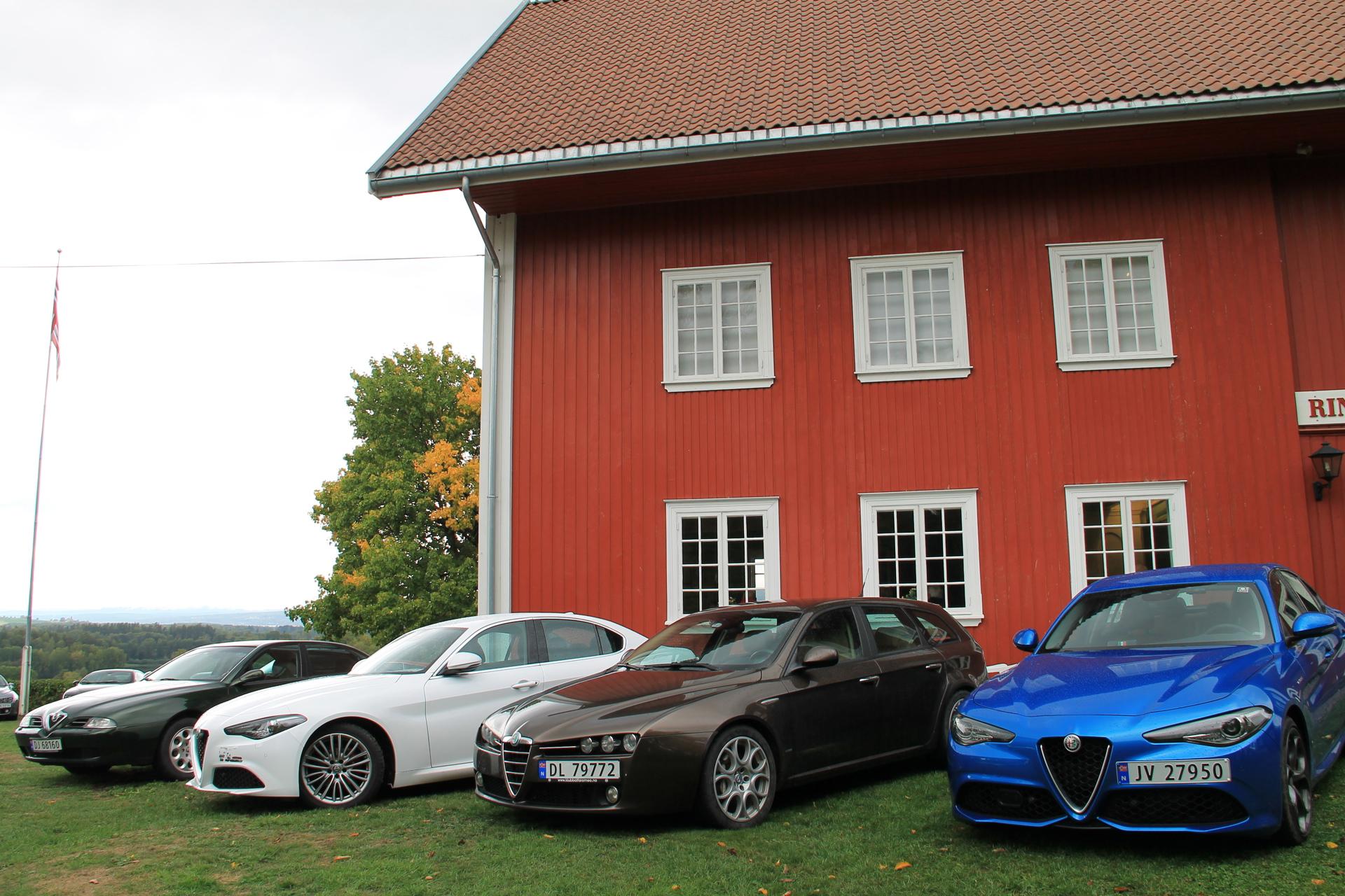 166 grønn Giulia hvit 159 brun Giulia Misanoblå.JP