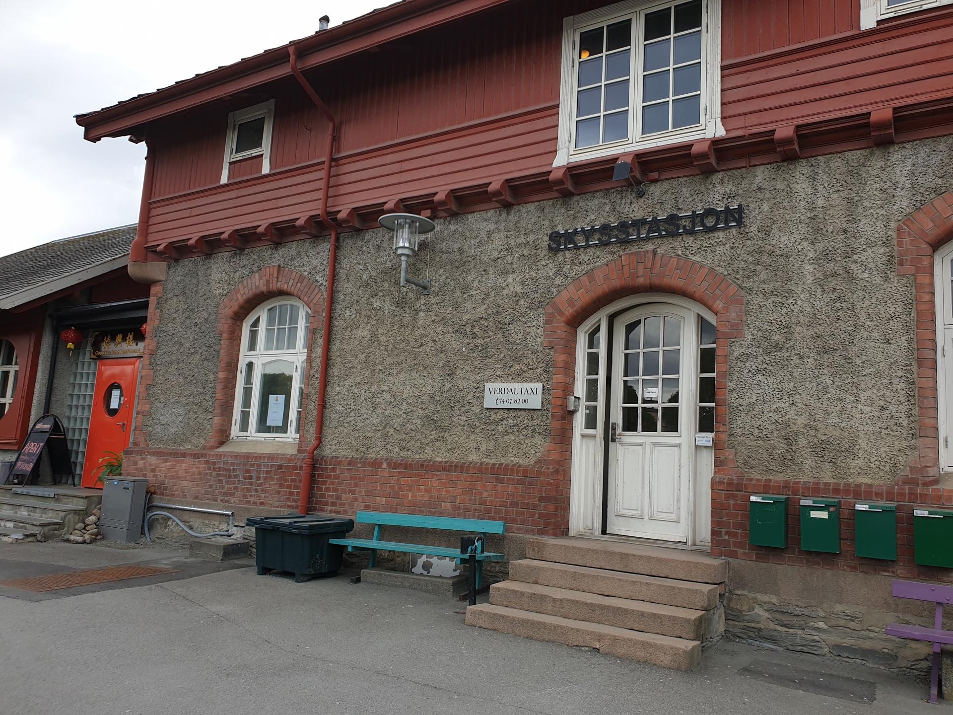 Verdal stasjon - vest 2.jpg