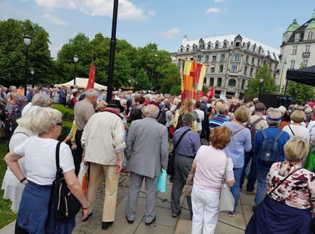 Pensjonistpartiet deltok på demonstrasjonen som Pensjonistforbundet arrangerte den 06.05.2019.