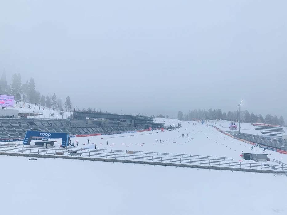 Bilde av stadion på lørdag (ingen sikt søndag)