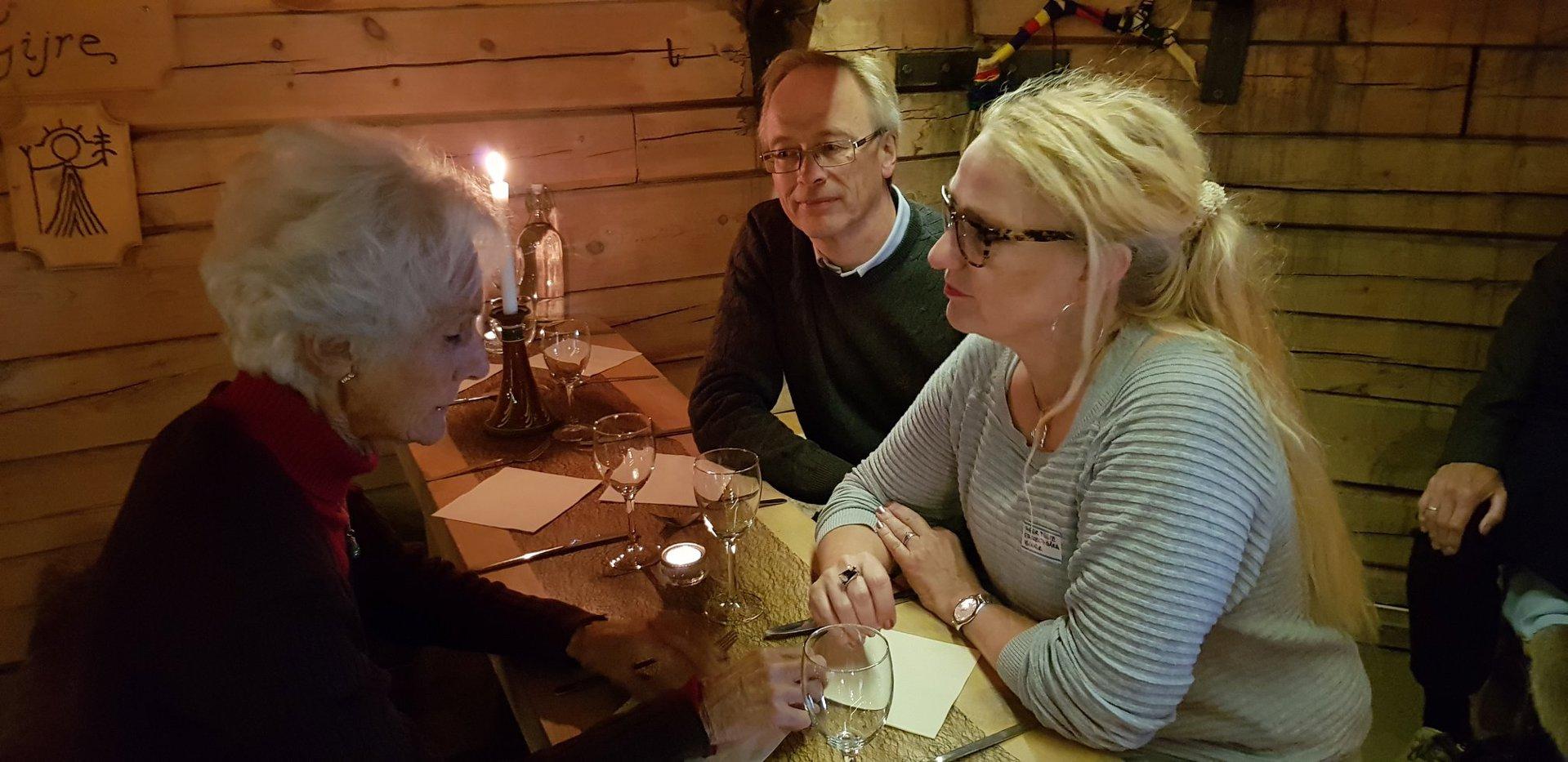 Inger og Øyvind Tvete med Marianne Andresen.jpg