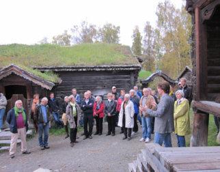 Venneforeningen-paa-Bjoernstad.-Foto-Maihaugen.jpg