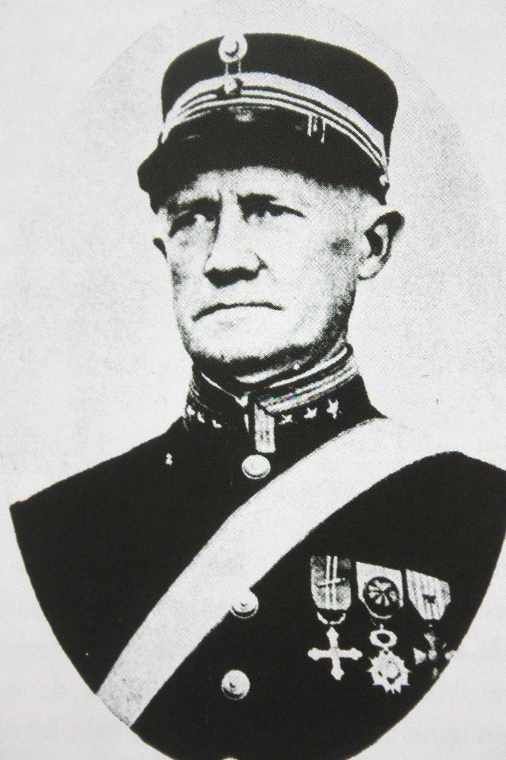Oberst Eriksen.jpg