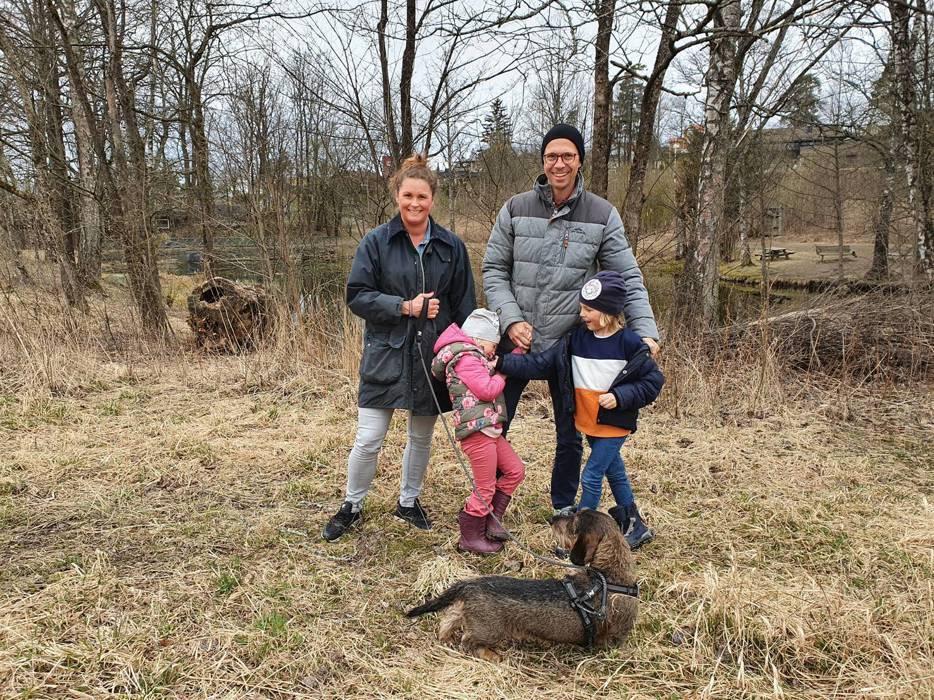 I dag møtte vi familien Blakstad og den snille bikkja Max  på tur ved Skallumdammen.