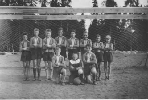 Guttelaget 1956-57.jpg