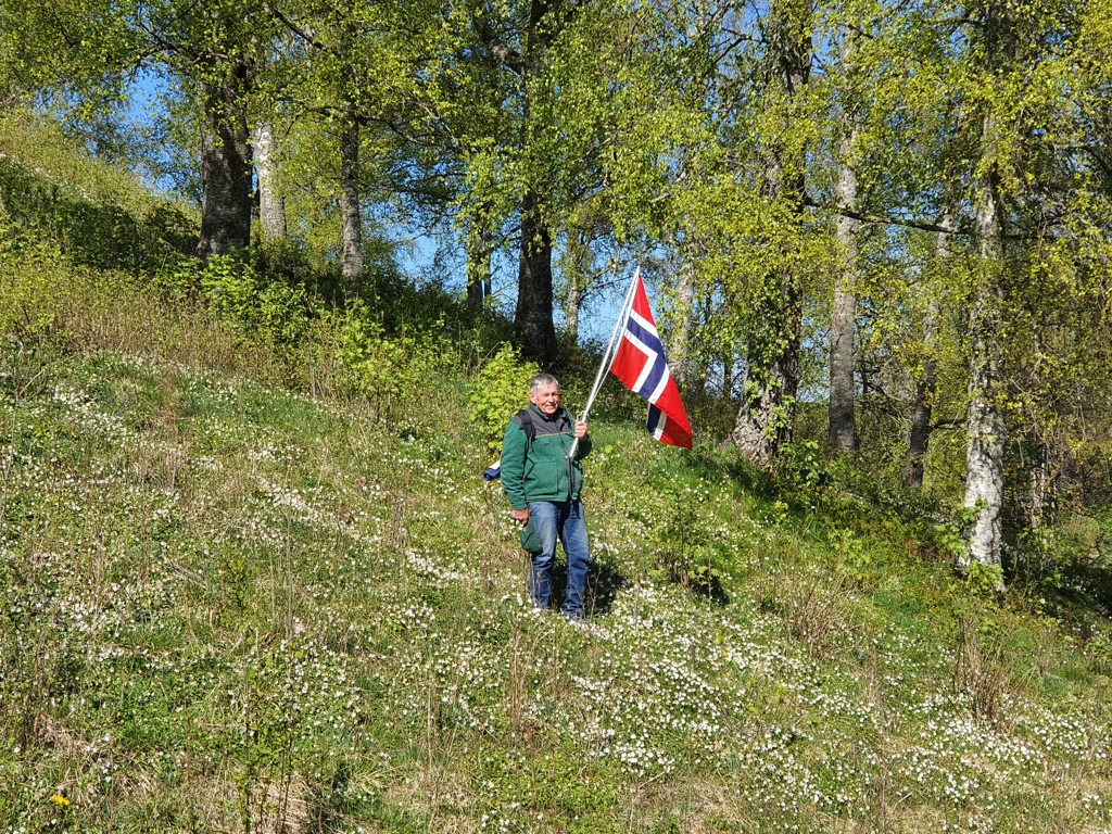 Hipp, hipp, hurra for 17. mai - og Raknehaugen!