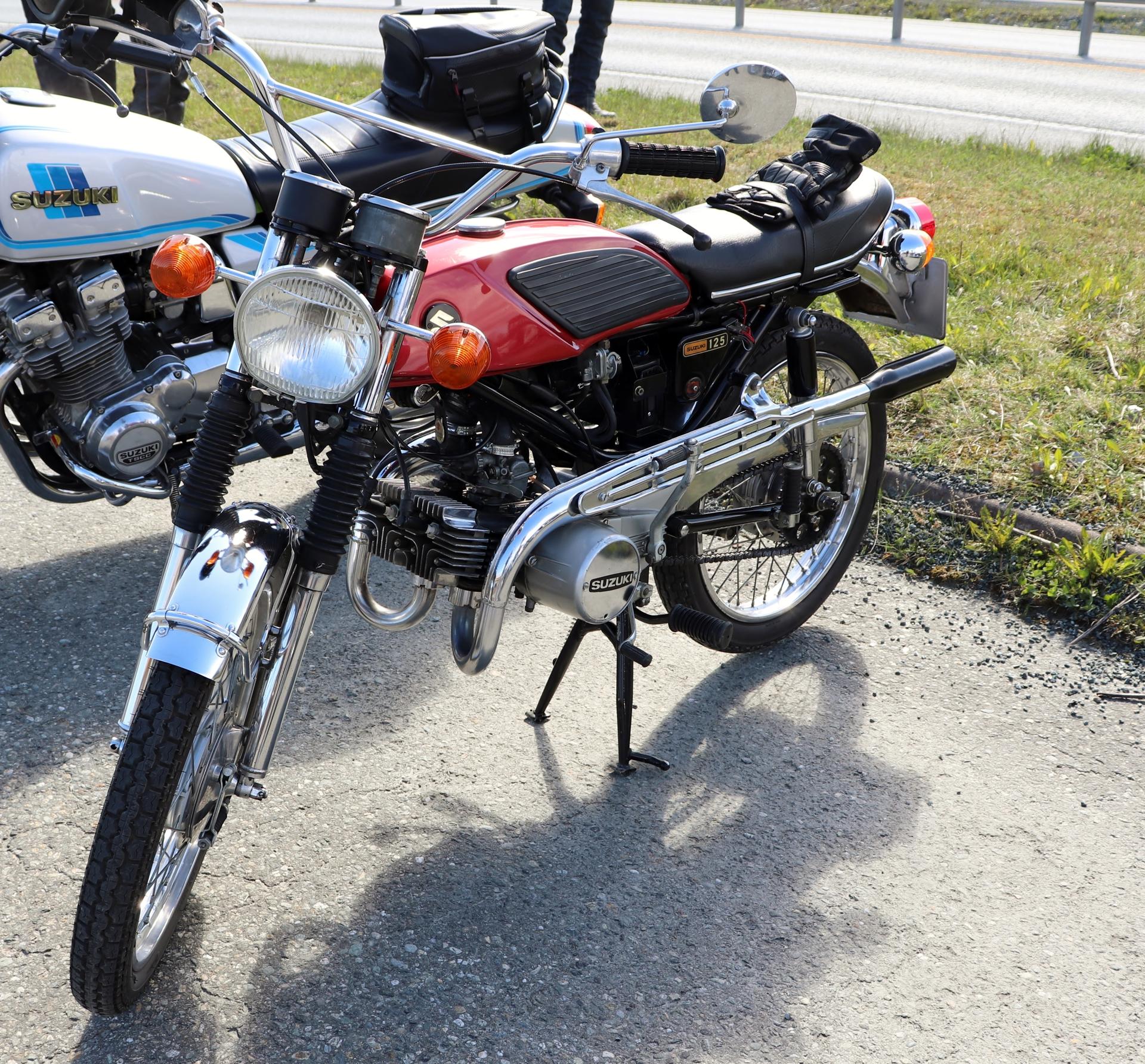 10 Suzuki 125.JPG