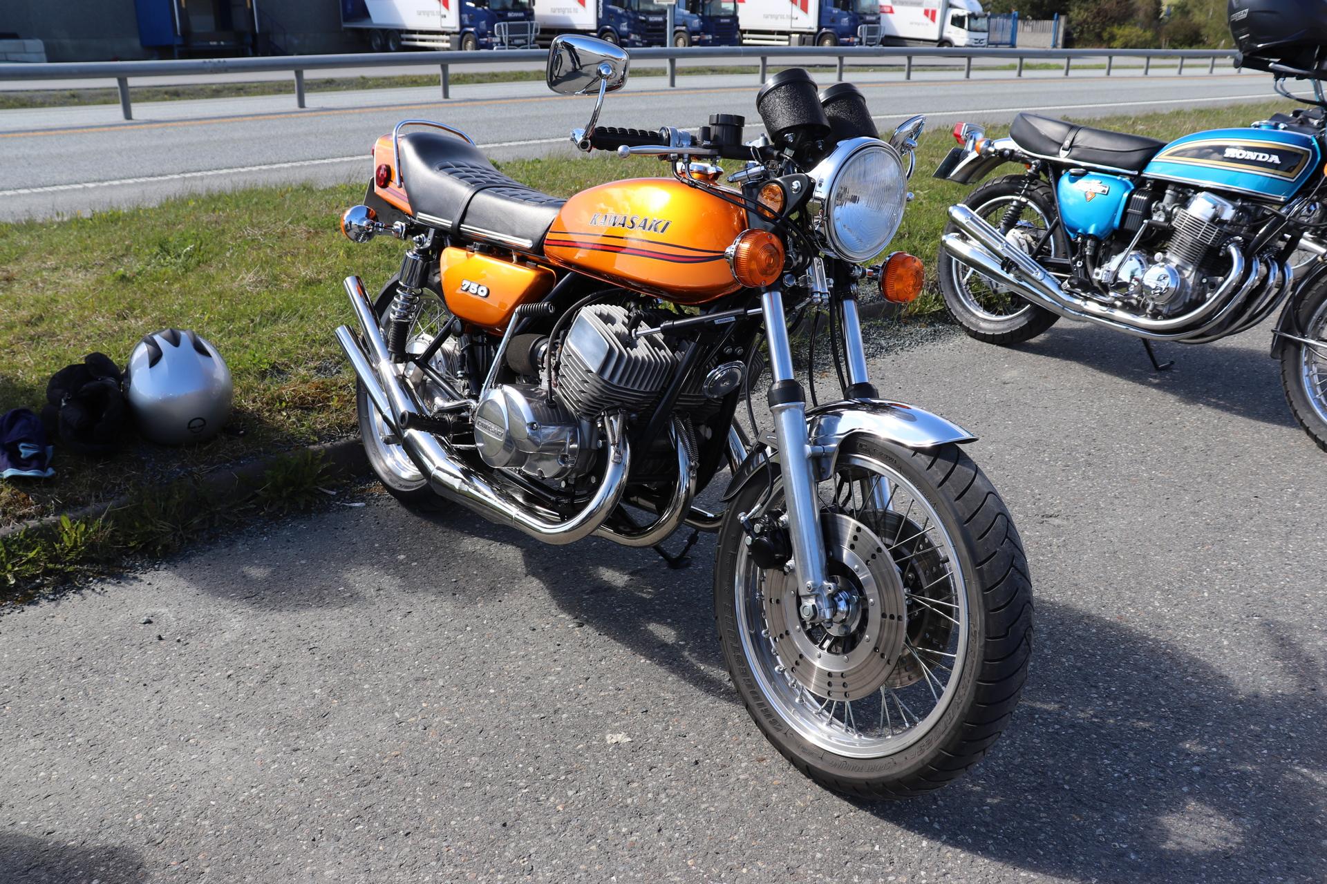 17 Kawasaki 750.JPG